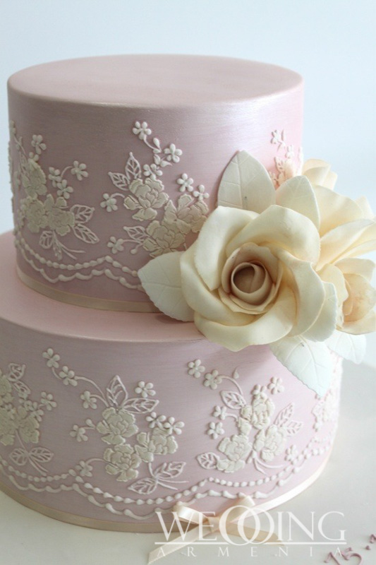 Wedding Cakes and Sweet Wedding Tables