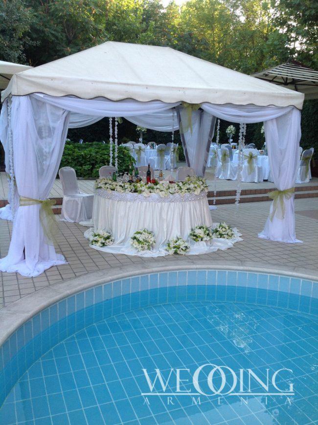 Свадебный банкет на открытой террасе Wedding Armenia